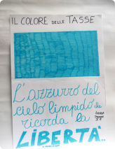 Das Blau des klaren Himmels erinnert an die Freiheit, Steuern zu zahlen. Andrea Sandroni Klasse I E