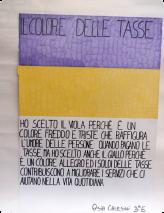 J'ai choisi le violet parce que c'est une couleur froide et triste qui représente l'humeur des gens quand ils payent leurs impôts, mais j'ai choisi aussi le jaune parce que c'est une couleur gaie et que l'argent des impôts contribue à améliorer les services qui nous aident dans la vie quotidienne. Asia Calesini, CE1